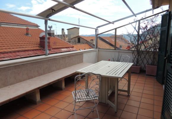 TRILOCALE Piano ATTICO con Terrazzo Vista Mare - Maison d\'elite
