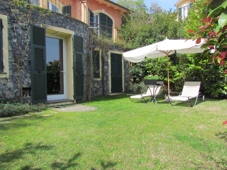 Alassio villa padronale vista mare maison d 39 elite for Piani sud ovest della casa con cortile