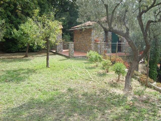 Alassio casa indipendente in collina vista mare maison for Piani casa ranch in collina